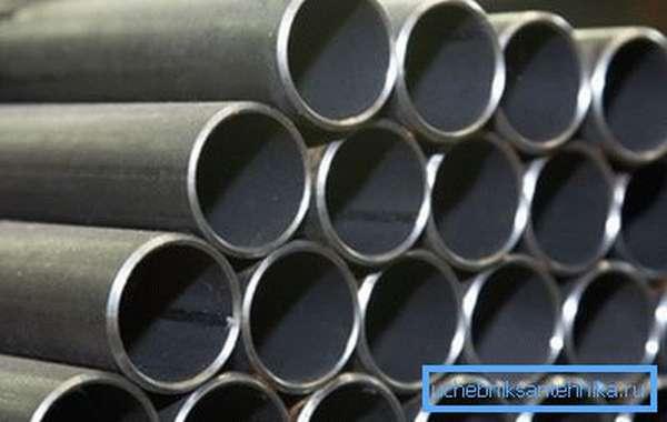 Обычно качество изготовления таких материалов находится на очень высоком уровне, и увидеть шов можно только изнутри трубы