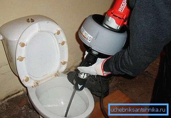 Механизированный способ очистки бытовой канализации