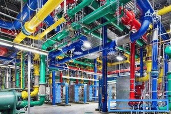 Опознавательная окраска трубопроводов по ГОСТу – необходимая сигнальная система безопасности производств и магистралей.