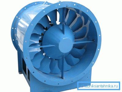 Осевой промышленный вентилятор.