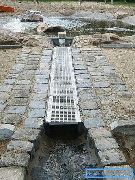 Отвод в искусственный водоем