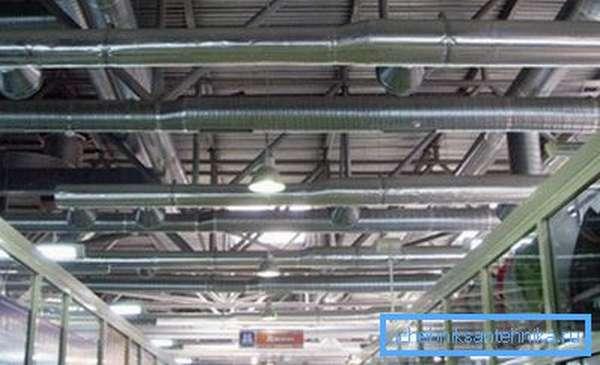 Оцинкованные трубы чаще используются в зданиях коммерческого назначения