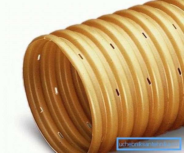 Пластиковая дренажная труба