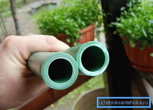 Пластиковые системы имеют практически одинаковый внешний вид и различаются только по маркировке
