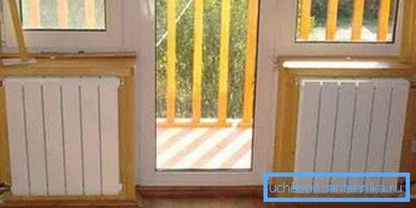 Плохо заизолированные окна и двери являются основным источником потери тепла