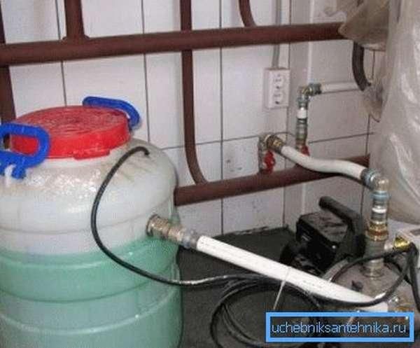 Подача теплоносителя в автономную систему низкого давления