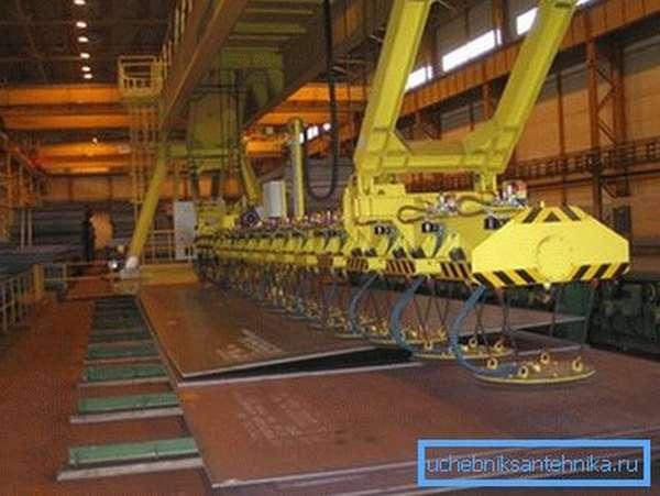 Подготовка металла для производства сварных изделий.