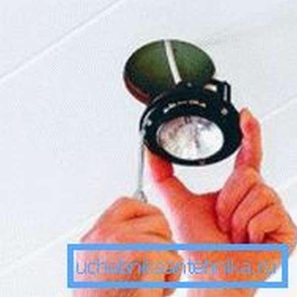 Подключение потолочного светильника в душе