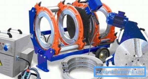 Подобные изделия также имеют насадки, но их функция заключается в удержании материала определенного диаметра