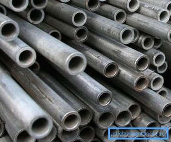 Подобные материалы отлично подходят для изготовления буровых колонн при создании скважин