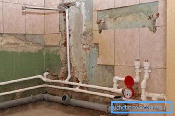 Подводка труб для подключения сантехники