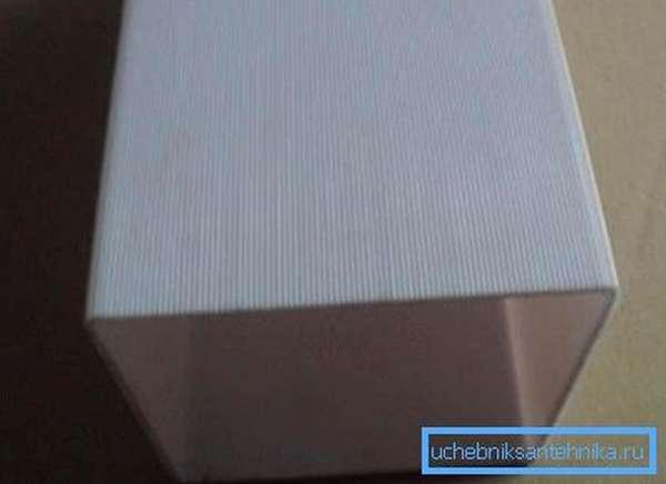 Полипропиленовый канал с квадратным сечением