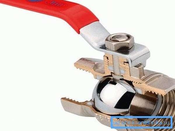 Полнопроходнойшаровый вентиль почти не оказывает сопротивления движущемуся через него потоку рабочей среды.