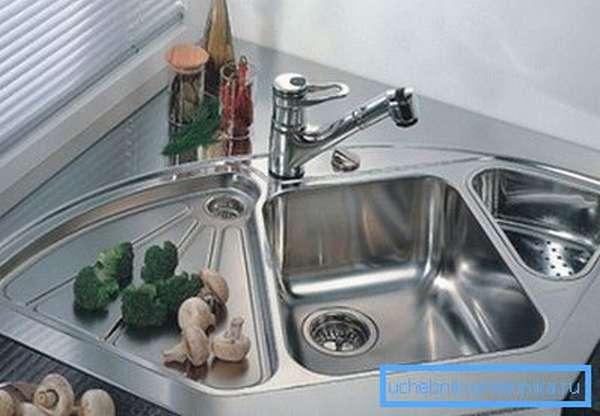 После использования вытирайте чашу насухо.