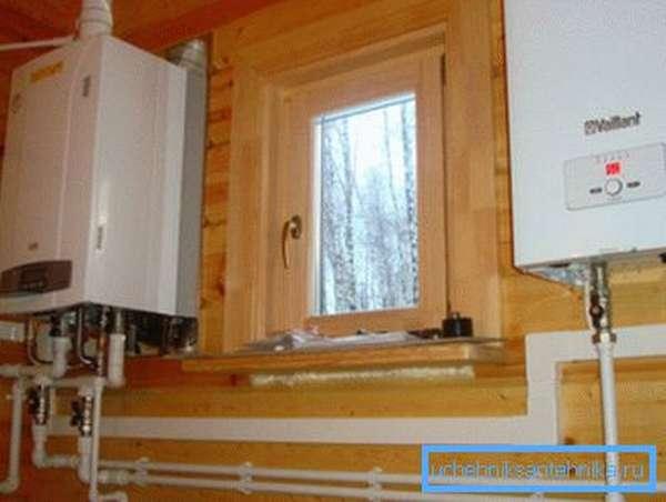 Практически все службы требуют, чтобы котельная располагалась в специальном помещении и имела собственное окно