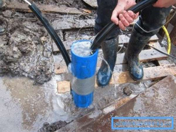 Прежде чем использовать скважину, ее необходимо раскачать, т.е. подготовить к работе