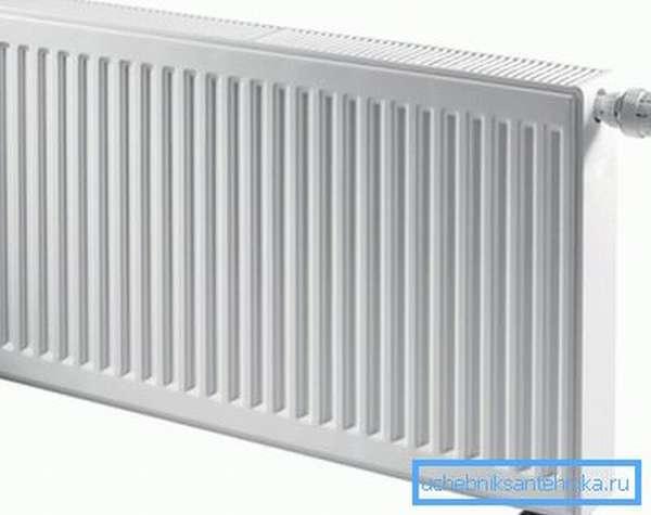 При оценке мощности панельного радиатора придется положиться на техническую документацию.