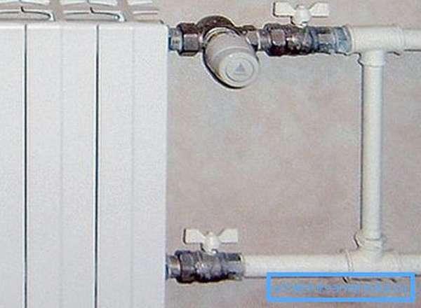 При установке терморегулятора монтаж байпаса в однотрубную систему отопления монтаж байпаса является обязательным