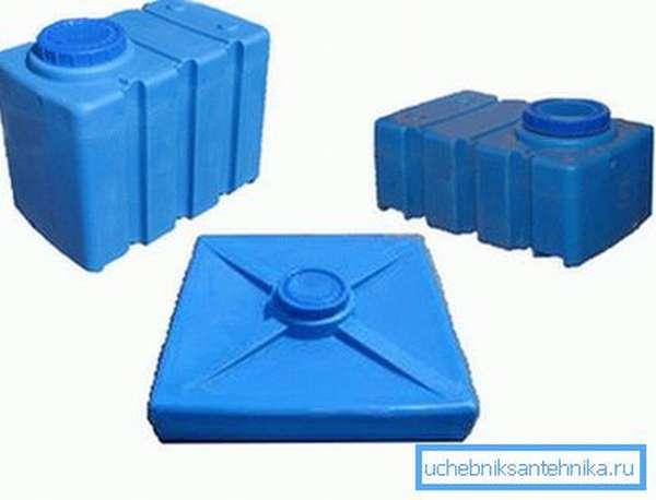 Приезжая на дачу, можно использовать одну из этих емкостей для водных процедур.