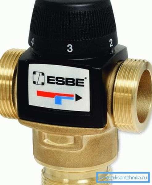 Пример качественного изделия с термостатической головкой.
