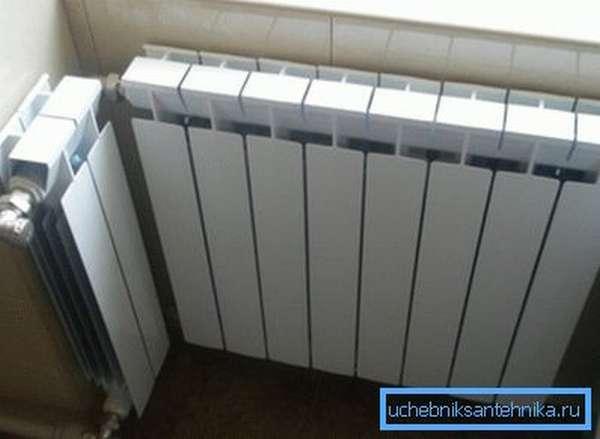 Пример нетрадиционного монтажа алюминиевого радиатора