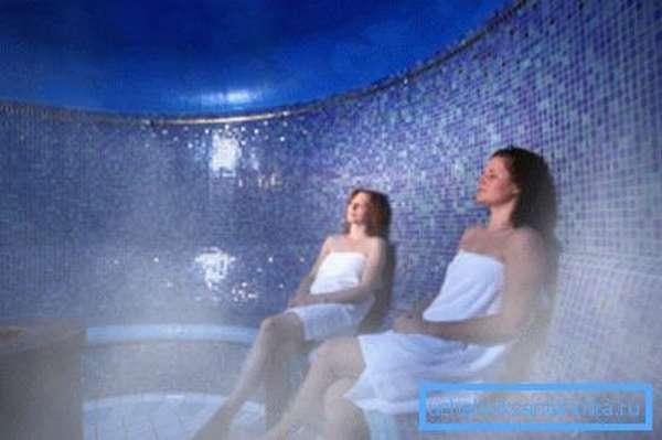 Принятие русской бани предполагает наличие большого количества горячего пара