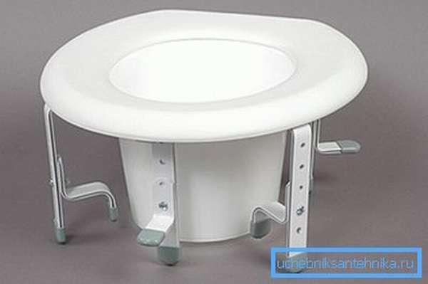 Приспособление для туалета с регулировкой высоты