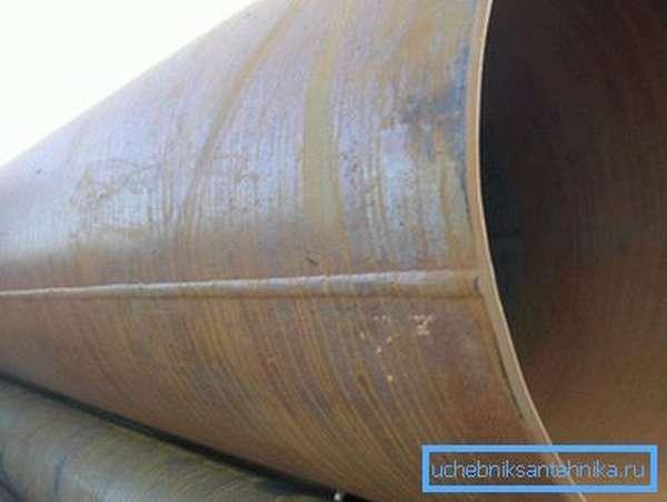 Продольный шов - уязвимое место трубопровода высокого давления. На него приходится 9 из 10 порывов.