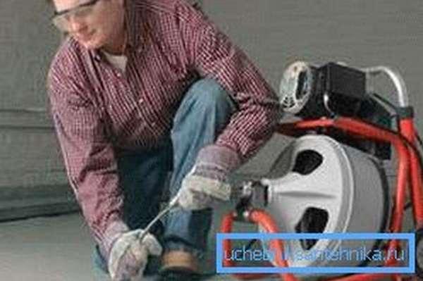 Профессиональный подход к удалению затора в канализации