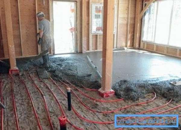 Прокладка труб отопления в полу из цемента