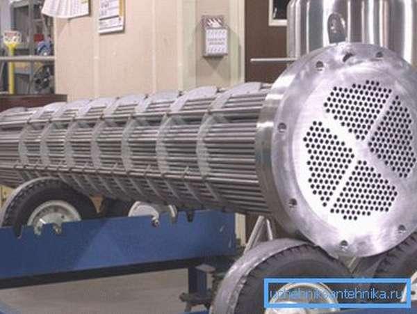 Промышленные агрегаты используют как для нагрева окружающей среды, так и для ее охлаждения