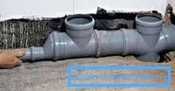 Простейший вариант установки канализационной системы с использованием крестовины, тройника и переходника на меньший диаметр