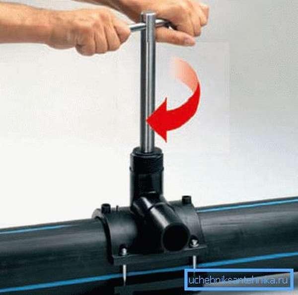 Процесс создания отвода на ПВХ трубе
