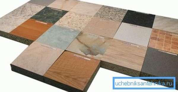 Рабочие поверхности, изготовленные из древесностружечной плиты, ламинированной тонким слоем пластика, на порядок прочнее и долговечнее ДСП в незащищенном виде. Постформинг практичен, устойчив к механическим и температурным воздействиям, кроме того он просто моется и чистится и при этом быстро сохнет.