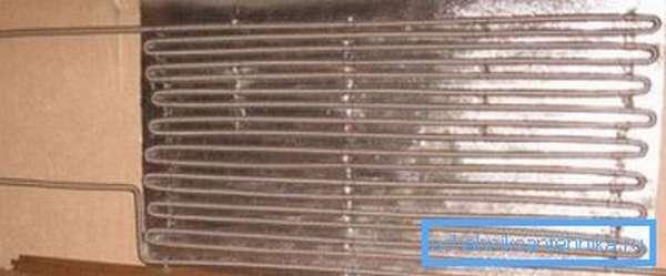 Работающая система обогрева из гофрированных нержавеющих труб