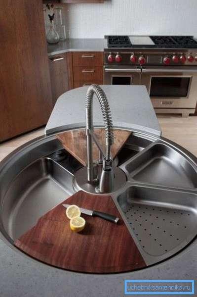 Раковина на кухне тоже может быть оригинальной