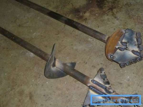 Различные варианты изготовления самодельных буров, приспособленных под определенный тип грунта