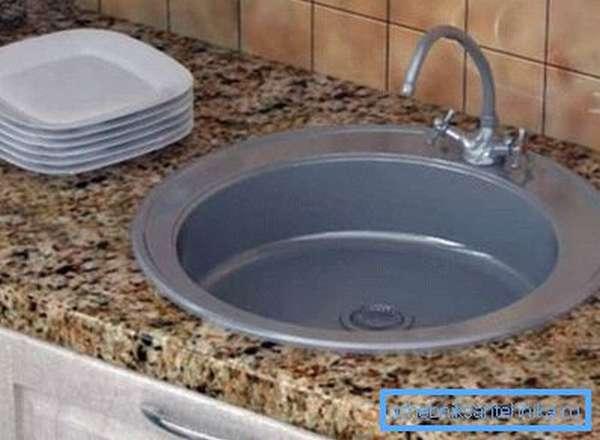 Размеры круглых моек для кухни очень разнообразны и отличаются не только диаметром, но и глубиной