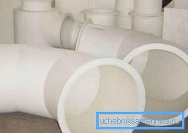Размеры ПВХ трубы в диаметре 120 мм наиболее оптимальны для обустройства вентиляции
