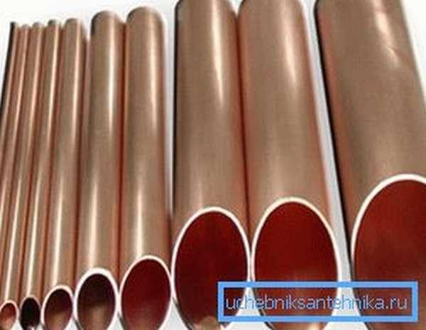Разные сечения медных труб, предназначенных для системы отопления