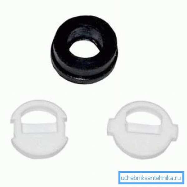 Ремонтный набор из резинового уплотнителя и двух керамических вкладышей.