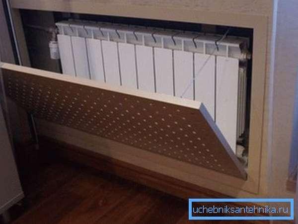 Решетка должна обеспечивать беспрепятственный доступ к батарее отопления