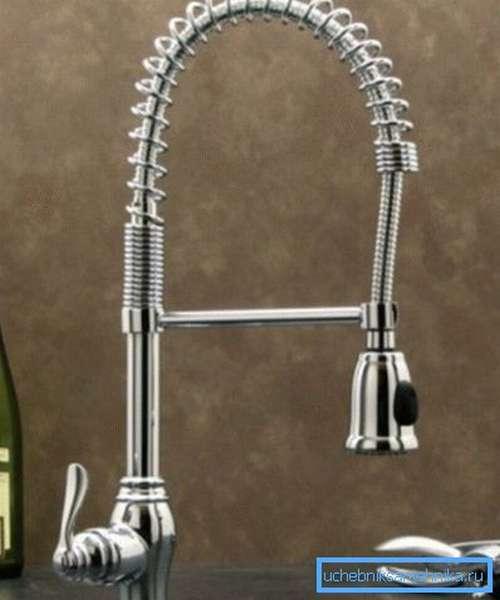 Рычажный кран для мойки с душем подходит лучше всего