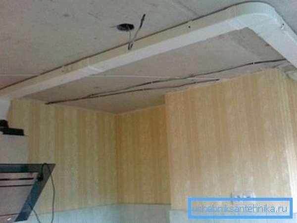 Самостоятельный монтаж плоского вентканала на кухне