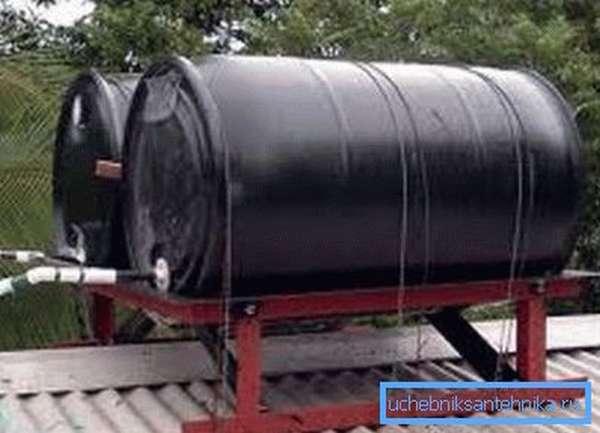 Сдвоенный накопительный резервуар на металлической раме