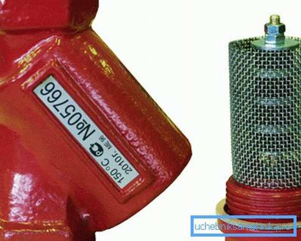 Сетчатый фильтр на водопровод
