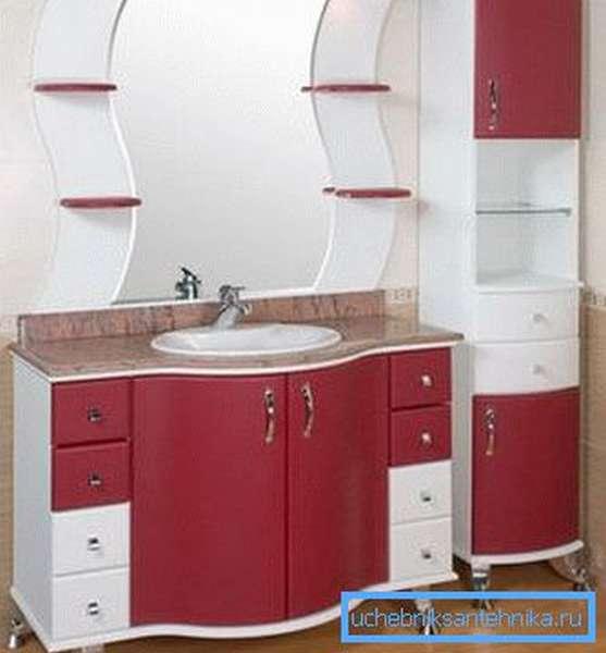 Шкаф с раковиной для ванной комнаты.