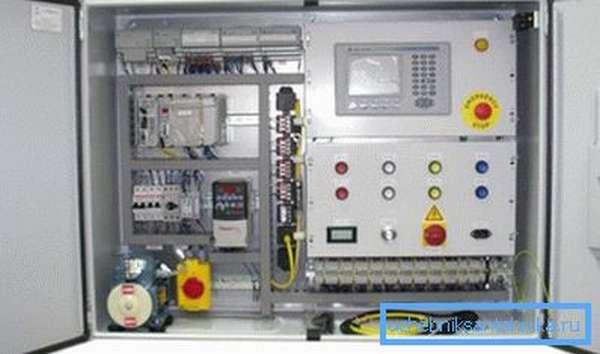 Шкаф управления автоматикой вентиляции.