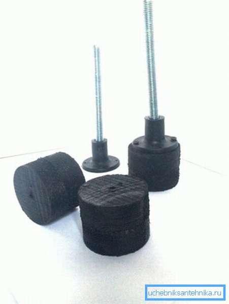 Шпильки с резиновыми подкладками