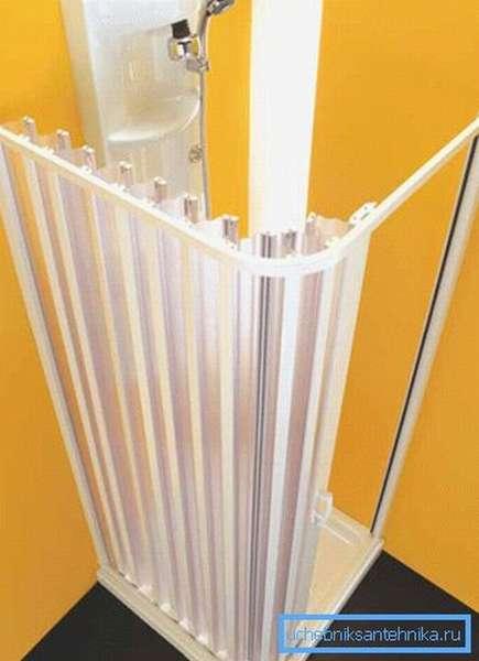 Складная многосекционная штора из пластика